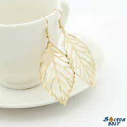 Divatos női fülbevaló, elegáns, arany színű levelek
