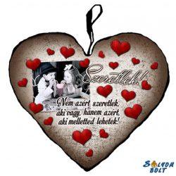 Szív alakú párna, nem azért szeretlek...