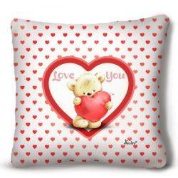 Kicsi plüss díszpárna, maci szívekkel, szerelmes ajándék