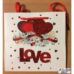 Love, piros szíves dísztasak