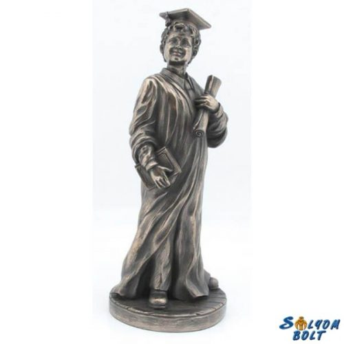 Diplomás fiú szobor, 23,5 cm