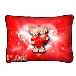Díszpárna, maci nagy piros szívvel, szeretlek, szerelmes ajándék