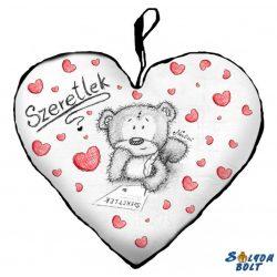 Szív alakú párna, maci ír, szeretlek