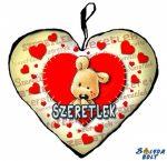 Szív alakú párna, varrott maci, szeretlek