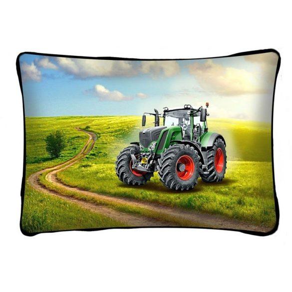 Díszpárna, traktor zöld színben
