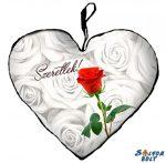Szív alakú párna, vörös rózsaszál, szeretlek