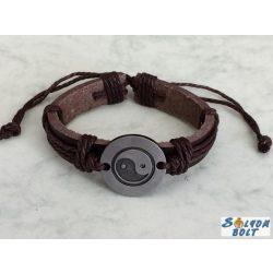 Jin Jang karkötő sötétbarna műbőrből és zsinórokból