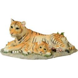 Tigris a kölykével szobor