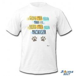 Vicces póló, A gazdag ember pólóján márka van, a boldog ember pólóján macskaszőr