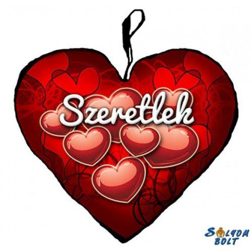 Szív alakú párna, szívek, szeretlek