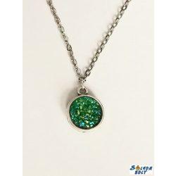 Kézműves nyaklánc, kétoldalú, drúza achát jellegű medállal, zöld