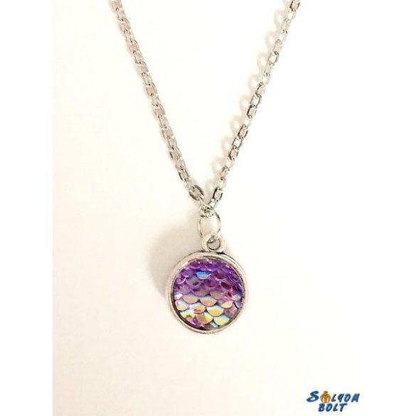 Kézműves nyaklánc, kétoldalú, lila pikkely mintás medállal