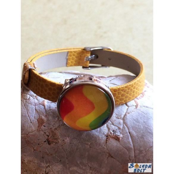 Kézműves karkötő, patent dísszel, sárga szíjjal